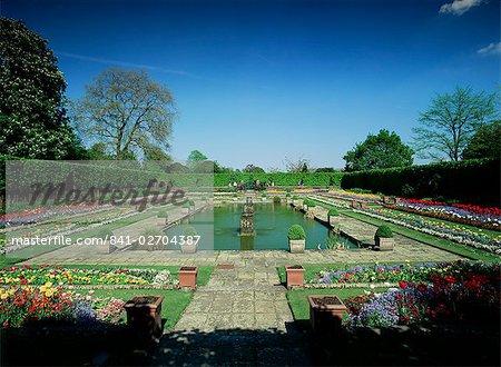 Sunken garden, Kensington Gardens, Kensington, London, England, United Kingdom, Europe