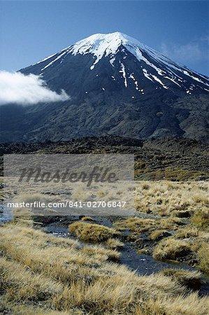 Dormant volcano, Mount Ngauruhoe, Tongariro National Park, UNESCO World Heritage Site, Taupo, South Auckland, North Island, New Zealand, Pacific