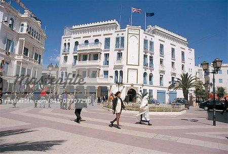 Street scene, Tunis, Tunisia, North Africa, Africa