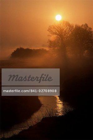 The Eden Valley at sunrise, near Edenbridge, Kent, England, United Kingdom, Europe