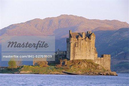 Eilean Donan IEilean Donnan) castle built in 1230, restored in the 1930s by the Maclean family, Dornie, Highlands Region, Scotland, United Kingdom, Europe