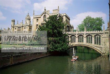 St. John's College and Bridge of Sighs, Cambridge, Cambridgeshire, England, United Kingdom, Europe
