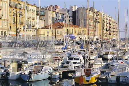 The harbour, Nice, Cote d'Azur, Alpes-Maritimes, Provence, France, Europe