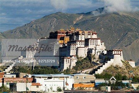 Potala Palace, former palace of the Dalai Lama, UNESCO World Heritage Site, Lhasa, Tibet, China, Asia