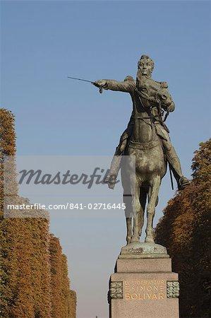 Statue with Sword, Paris, France