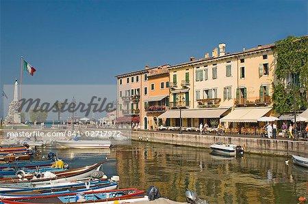 The harbour and waterfront cafes, Lazise, Lake Garda, Veneto, Italian Lakes, Italy, Europe