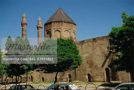 Exterior wall of Sultan Izzettin tomb, Sivas, Anatolia, Turkey, Asia Minor, Eurasia