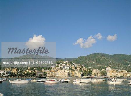 Seaside resort town of Rapallo, Liguria, Italy, Europe