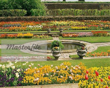 Pond Garden, Hampton Court Palace, Greater London, England, United Kingdom, Europe