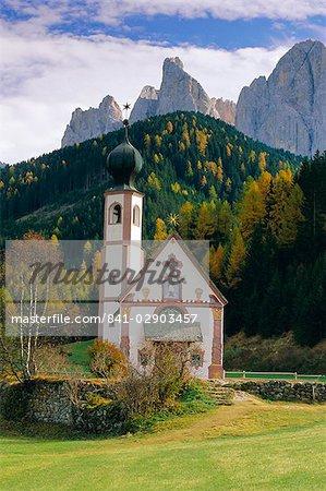 St. Johann Church, The Dolomites, Geisler Gruppe, Trentino-Alto Adige, Italy, Europe