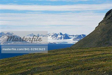 Gronfjorden near Barentsburg, Spitsbergen, Svalbard, Arctic, Norway, Scandinavia, Europe
