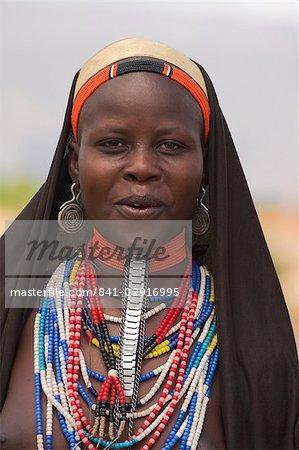 Ari woman, Lower Omo valley, Ethiopia, Africa