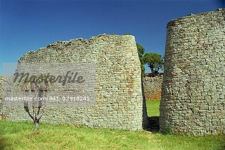 Walls of Great Enclosure, Great Zimbabwe, UNESCO World Heritage Site, Zimbabwe, Africa