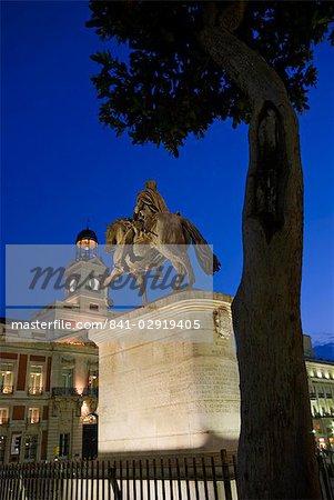 Puerta del Sol at dusk, Madrid, Spain, Europe