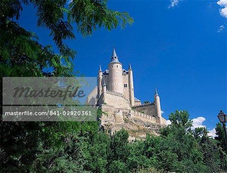 The Alcazar viewed from the west, Segovia, Castilla y Leon (Castile), Spain, Europe