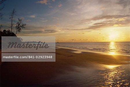 Beach near Jerudona, Brunei, Borneo, South China Sea, Asia
