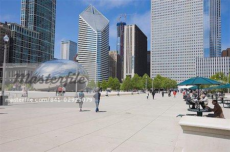 Cloud Gate sculpture in Millennium Park, Chicago, Illinois, United States of America, North America