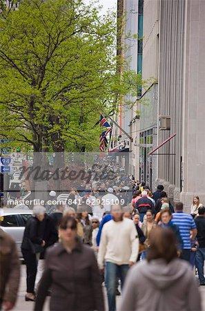 Shoppers on North Michigan Avenue, The Magnificent Mile, Chicago, Illinois, United States of America, North America