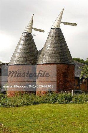 Old hop kilns near Malvern, Worcestershire, England, United Kingdom, Europe