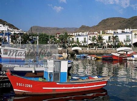 Fishing boats in the old port area, Puerto de Mogan, Gran Canaria, Canary Islands, Spain, Atlantic, Europe