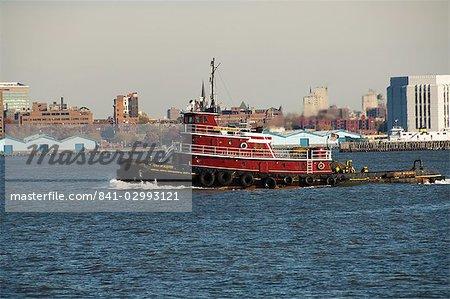Tug on Hudson River, Manhattan, New York City, New York, United States of America, North America