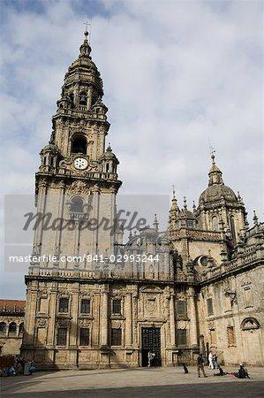 View of Santiago Cathedral from Plaza da Quintana with the Puerta Santa doorway, UNESCO World Heritage Site, Santiago de Compostela, Galicia, Spain, Europe
