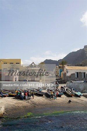 Fishermen and boats at the port of Ponto do Sol, Ribiera Grande, Santo Antao, Cape Verde Islands, Atlantic, Africa