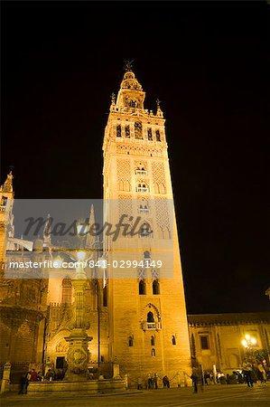 La Giralda and Seville Cathedral at night, UNESCO World Heritage Site, Plaza Virgen de los Reyes, Santa Cruz district, Seville, Andalusia, Spain, Europe