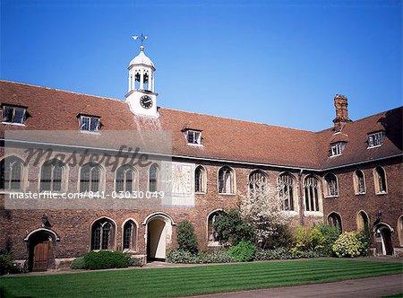 Old Court and sundial, Queens College, Cambridge, Cambridgeshire, England, United Kingdom, Europe