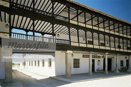 Plaza Mayor, Tembleque, Castile La Mancha, Spain, Europe