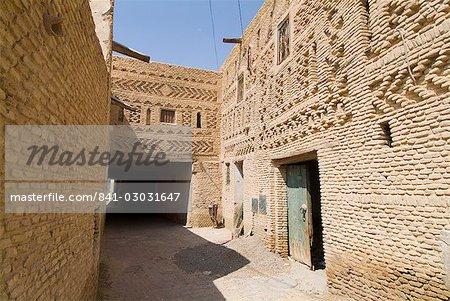 Traditional brick wall architecture, Medina (city centre), Tozeur, Tunisia, North Africa, Africa