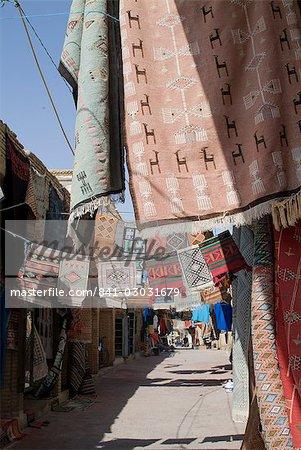 Carpet Market, Medina (inner city), Tozeur, Tunisia, North Africa, Africa