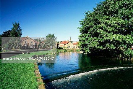 River Wye, Bakewell, Peak District National Park, Derbyshire, England, United Kingdom, Europe