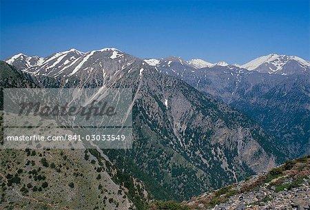 Mountains surrounding the Samaria Gorge, island of Crete, Greece, Mediterranean, Europe
