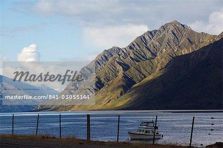 Lake Hawea, 384m deep, Otago, South Island, New Zealand, Pacific