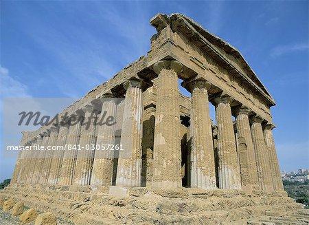 Concordia temple, Agrigento, island of Sicily, Italy, Europe