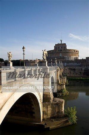 S. Angelo Bridge leading to S. Angelo Castle (Castello San'Angelo), former tomb of the Emperor Hadrian, Rome, Lazio, Italy, Europe