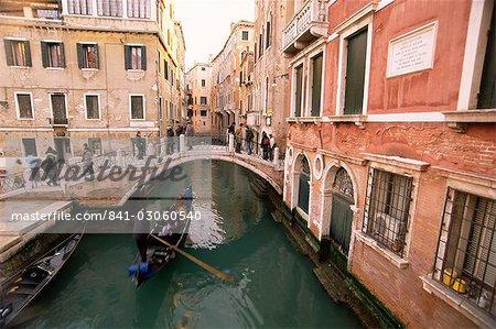 Rio di San Luca and Ponte de la Cortesia, Venice, Veneto, Italy, Europe