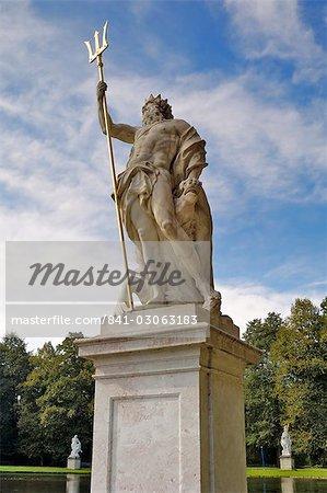 Statue in the grounds of Schloss Nymphenburg, Munich (Munchen), Bavaria (Bayern), Germany, Europe