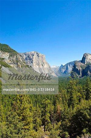 El Capitan and Yosemite Valley, Yosemite National Park, UNESCO World Heritage Site, California, United States of America, North America