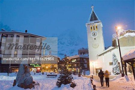 Village church and Monte Cervino (The Matterhorn), Cervinia, Valle d'Aosta, Italian Alps, Italy, Europe