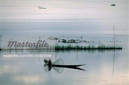 Fisherman, Inle Lake, Shan State, Myanmar (Burma), Asia