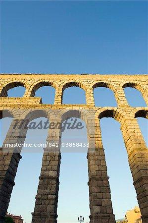The 1st century Roman aqueduct, UNESCO World Heritage Site, Segovia, Madrid, Spain, Europe