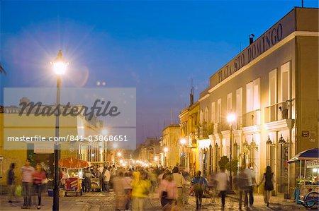 Nightime street scene, Oaxaca, Oaxaca state, Mexico, North America