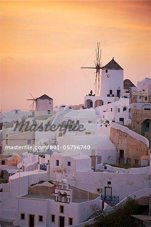 Oia (Ia) village and windmill, Santorini, Cyclades, Greek Islands, Greece, Europe