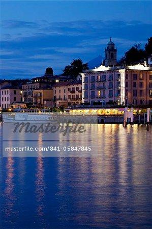 Promenade and lake at dusk, Bellagio, Lake Como, Lombardy, Italian Lakes, Italy, Europe