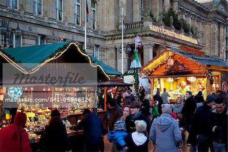 Christmas Market stalls and Council House, City Centre, Birmingham, West Midlands, England, United Kingdom, Europe