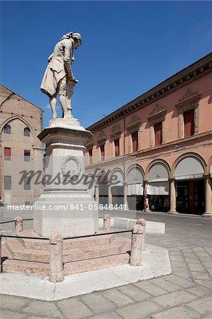 Statue in the Piazza Galvani, Bologna, Emilia Romagna, Italy, Europe
