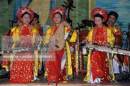 Traditional Vietnamese musicians, Vietnam, Indochina, Southeast Asia, Asia