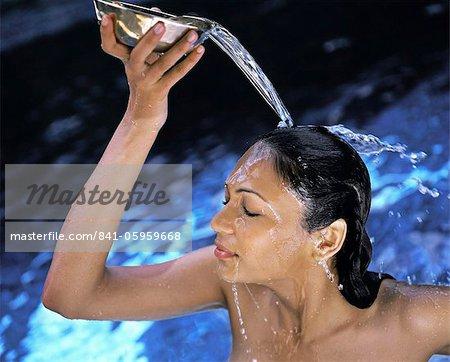 Indian women bathing pics